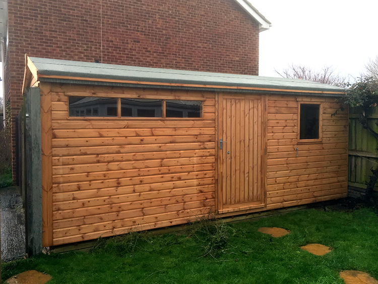 "<p id=""boldtitle"">Heavy duty Workshop</p>Bespoke Heavy Duty Workshop <br/>6' Double Doors on side.<br/>Small Security windows, additional door and<br/>window."