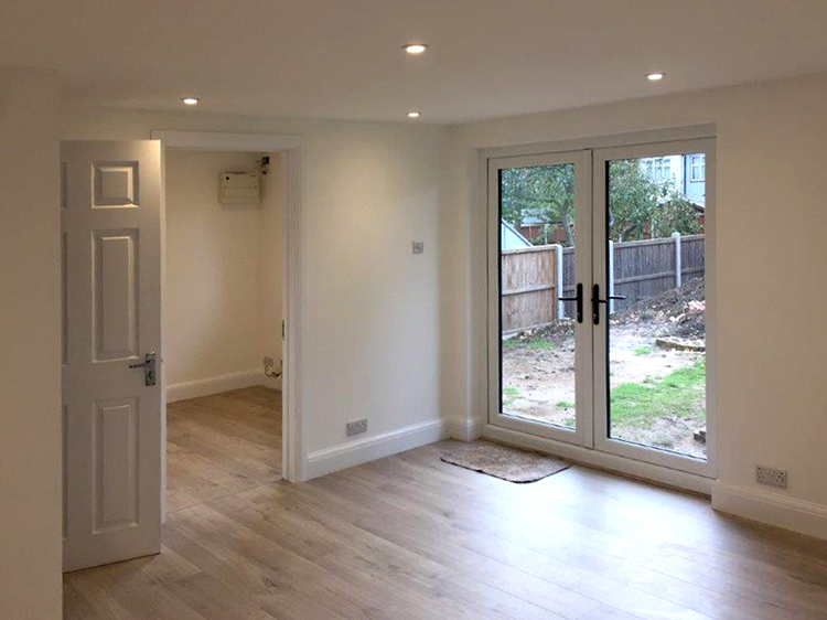 "<p id=""boldtitle"">Interior Finish</p>Showing Interior Finish.<br/>Plastered and painted white."