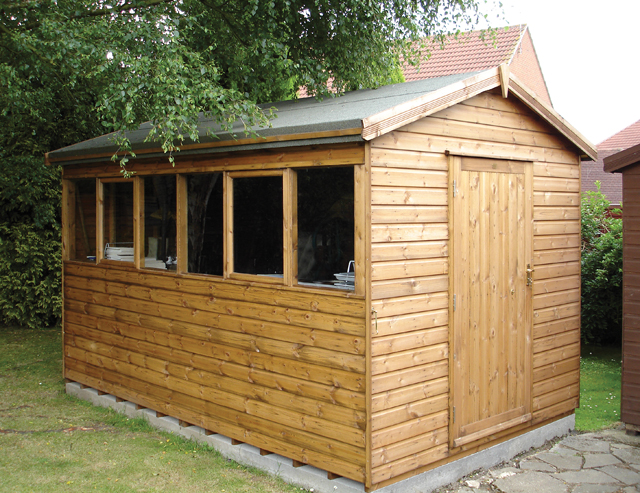 "<p id=""boldtitle"">Heavy Duty Workshop</p>12' x 8' (3660mm x 2440mm) gable workshop in T&G shiplap. <br/>"