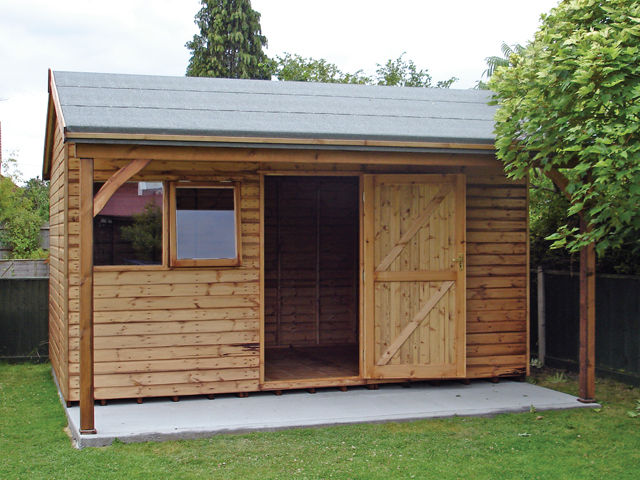 "<p id=""boldtitle"">Heavy Duty Workshop</p>12' x 6' (3660mm x 1830mm) gable workshop in T&G shiplap.  Shown with optional offset roof and 3' (915mm) roof overhang with posts.<br/>"