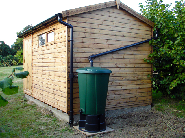 "<p id=""boldtitle"">Heavy Duty Workshop</p>10' x 8' (3050mm x 2440mm) gable workshop in T&G shiplap.  Shown with optional security windows, guttering and water butt.<br/>"