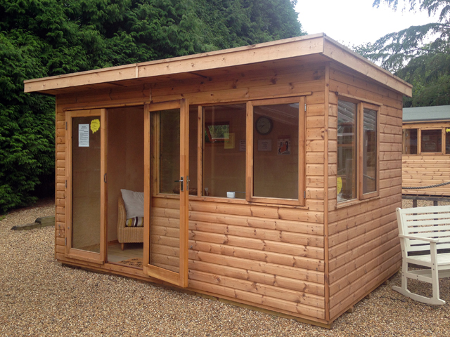 "<p id=""boldtitle"">13 x 8 Pent Garden Room </p>13 x 8 Pent Garden Room<br/>Insulated and lined.<br/>Double Glazed."