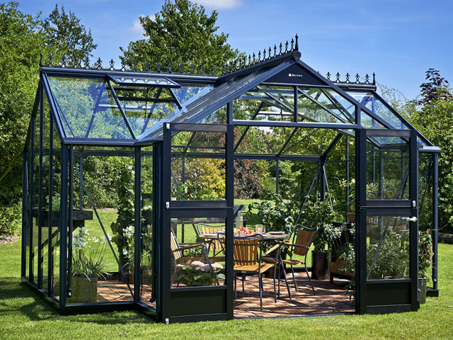 "<p id=""boldtitle"">Juliana Orangery Greenhouse</p>"